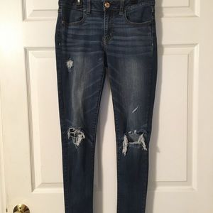 American Eagle mid rise distressed jegging